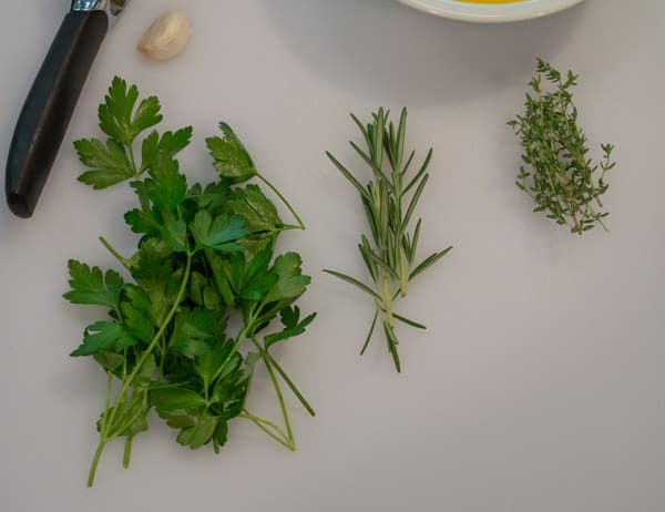 Parsley-rosemary-and-thyme